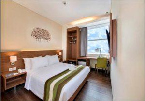 kamar di hotel grand whiz